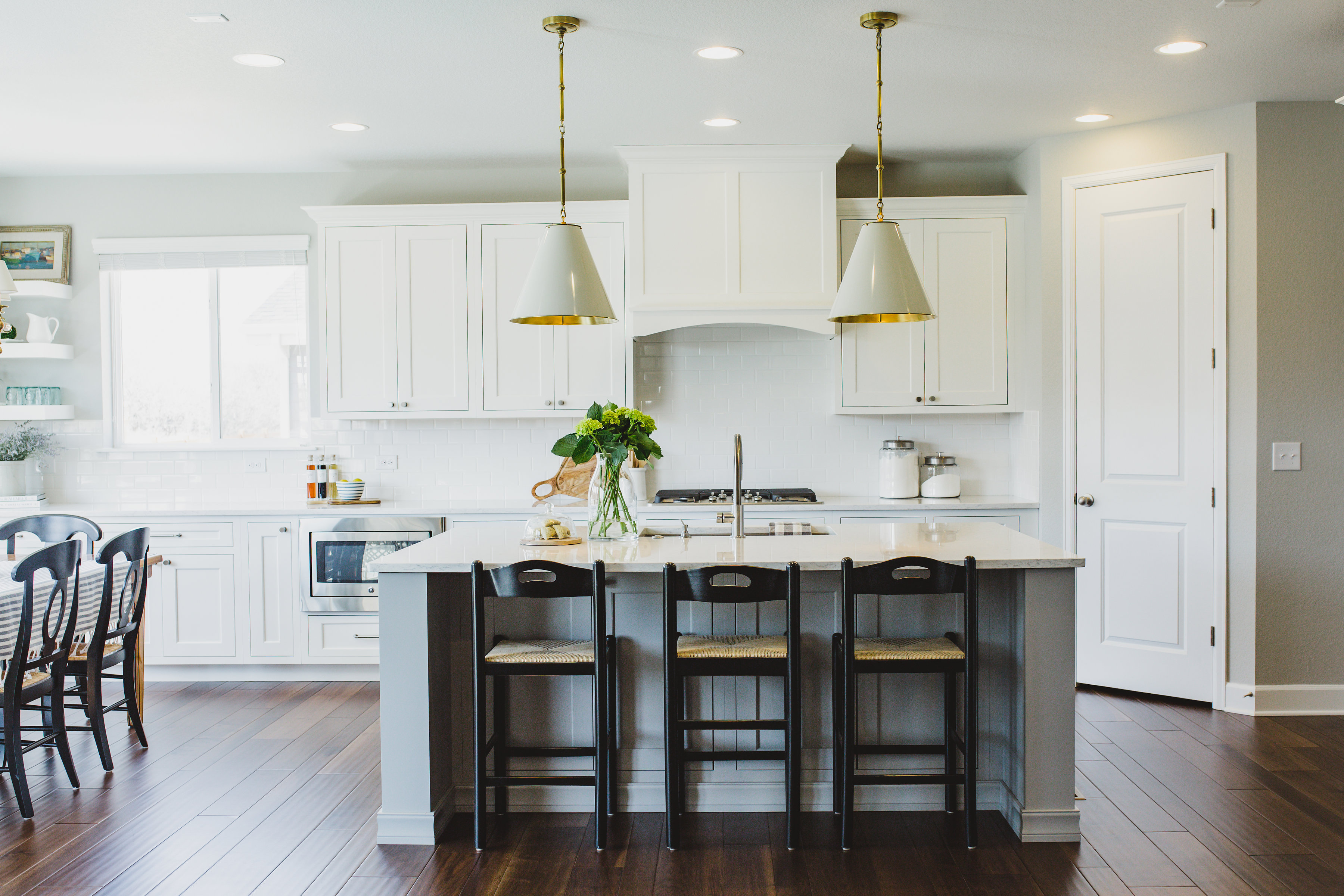 cheap quartz for solid cost cabinet corian countertops replacement backsplash cheapest discount inexpensive size countertop bathroom worktops installing new slab vanity tops decorative stone slate white taps surface of sinks faucet kitchen kitchens full and vs granite